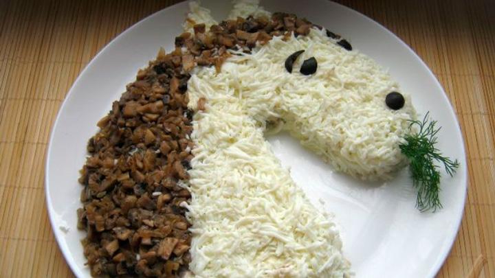 Новогодний салат «Лошадь»