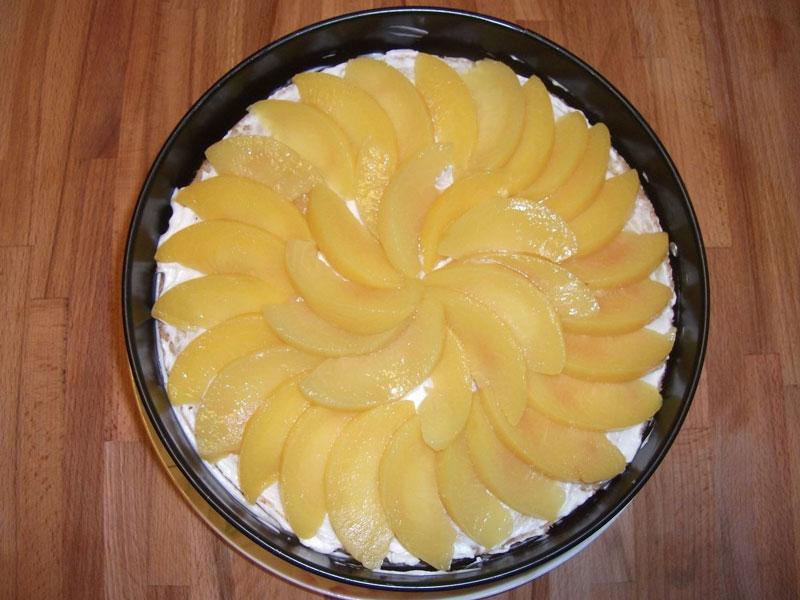 Торт с персиками и маскарпоне